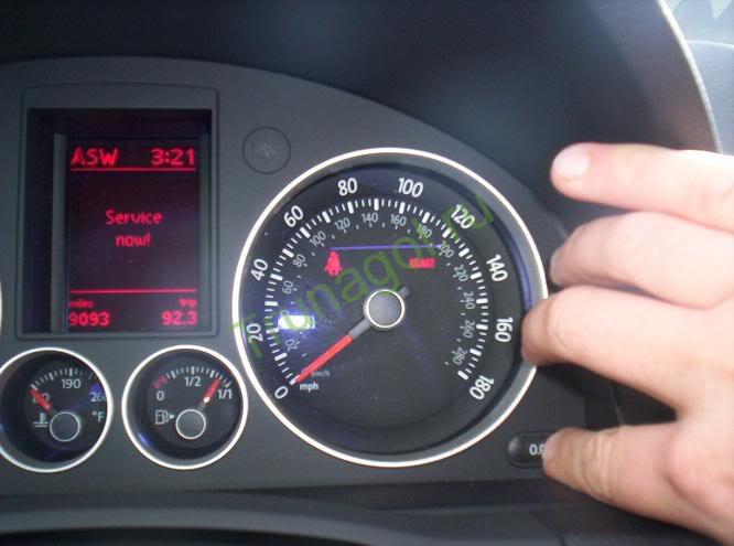 Приборная панель VW Golf 5