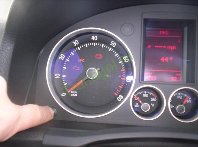 Приборная панель Volkswagen Golf 5